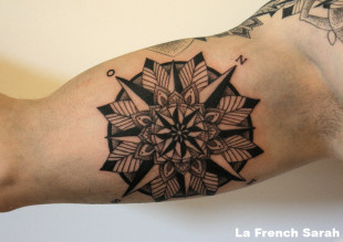 tatoueur lyon la french sarah tatouage mandala. Black Bedroom Furniture Sets. Home Design Ideas